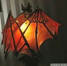 I love this Twilight inspired Bat lamp and it would be terrific for Halloween. Lampe Decoration, Goth Home, Creation Art, Gothic Furniture, Futuristic Furniture, Modern Furniture, Furniture Design, Tadelakt, Gothic House