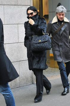 Monica Bellucci, Crochet Fashion, Rubrics, Dior, Celebs, Rabbit Fur, Lifestyle, Womens Fashion, Bags