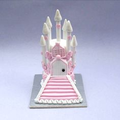 Dollhouse miniature Castle white with pink wedding cake