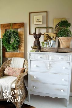 Oliver and Rust: Late Fall Bedroom. I luv the idea of the natural wreath with green ribbon to decorate for holidays like Easter, Fall/Halloween, Christmas...while still usable all year