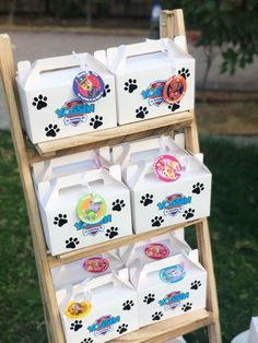 Learn how to decorate a beautiful Paw patrol Skye Party using the cutest ideas to make this girl's birthday look stylish. The dog patrol has come to Girl Paw Patrol Party, Paw Patrol Party Favors, Paw Patrol Pinata, Paw Patrol Birthday Decorations, Paw Patrol Birthday Theme, 4th Birthday Parties, Birthday Party Favors, 3rd Birthday, Box Deco