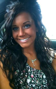 This is what my natural hair looks like....but its making me miss my natural dark dark hair....and being tan :(