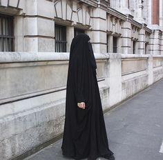 Niqabi   sisterinblack Hijab Niqab, Hijab Chic, Beautiful Muslim Women, Beautiful Hijab, Muslim Girls, Muslim Couples, Hijab Dress, Hijab Outfit, Girl Grillz
