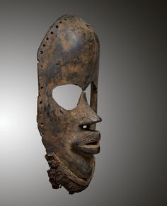 - DAN MASK - Lot 6 - Estimate: €4000 - €6000 - Find all details for this object in our online catalog! Ivory Coast, Dan, Africa, Auction, Objects, Museum, Superhero, Liberia, Artist