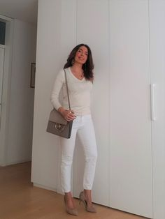 Beige is the color of elegance. And all beige looks are going to be this season's trendy look. I want to make a minimalistic look for you with Zara clothing Beige Outfit, Fashion Advice, Fashion Outfits, Womens Fashion, Look Zara, Neue Outfits, Fashion Marketing, New Fashion Trends, Chloe