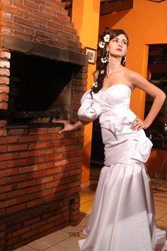 Hentony Pimenta -made by Hentony Pimenta.  Wedding Dress Pesquisa Google