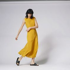 Warehouse, FLUTED HEM SILK MAXI DRESS Yellow 0