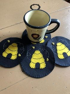Mug Rug Patterns, Wool Applique Patterns, Felt Coasters, Fabric Coasters, Beehive Image, Bee Images, Coaster Crafts, Bee Skep, Simple Crafts