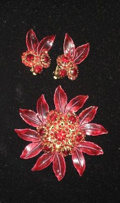 Weiss Rhinestone & Enamel Pin & Earrings Set