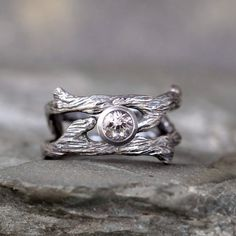Hey, I found this really awesome Etsy listing at https://www.etsy.com/listing/224328233/twig-style-engagement-ring-and-wedding
