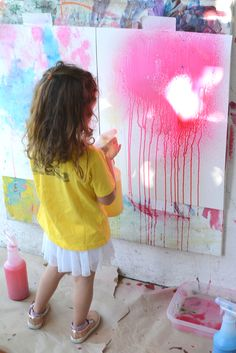 Love this, If you want to raise creative kids, read this! Why you should LET THEM PAINT