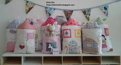 HOME SWEET HOME - cuscini a forma di casetta da usare come paracolpi da lettino o per arredare la cameretta. http://elbichofeo.blogspot.com https://www.facebook.com/Bicho-feo-382736388432736/