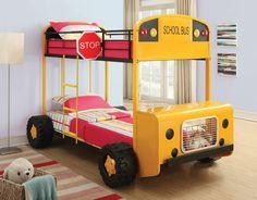 déco pour garçon avec lit voiture