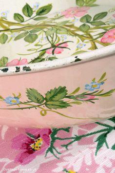 Handpainted Roses on an Enamel Bowl: www.vintage-home....