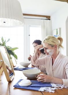 Is there anything more relaxing than a spa day? If you struggle to make the time/money to visit a fancy spa, here are some ideas to DIY a spa day at home.