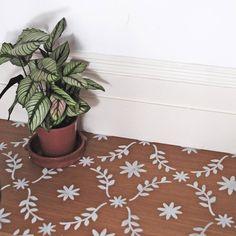 Stencil Fabric, Stencil Diy, Stencil Painting, Stenciling, Tile Stencils, Painting Walls, Porch Flooring, Diy Flooring, Flooring Tiles