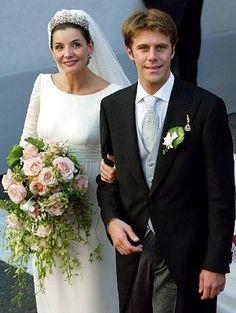 2003 - Clotilde Courau married Prince Emanuele Filiberto of Savoy Royal Wedding Gowns, Modest Wedding Gowns, Royal Weddings, Wedding Bride, Royal Crowns, Royal Tiaras, Royal Jewels, Princess Victoria Of Sweden, Crown Princess Victoria