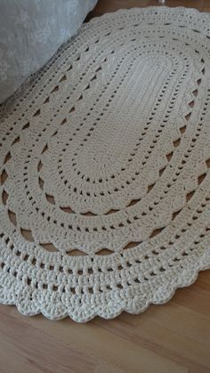 Poncho Crochet - How to Hook Rugs.mov Macrame , Poncho Crochet - How to Hook Rugs.mov Poncho Crochet - How to Hook Rugs. Crochet Doily Rug, Crochet Doily Diagram, Crochet Rug Patterns, Crochet Carpet, Crochet Motifs, Tunisian Crochet, Crochet Socks, Diy Crafts Crochet, Crochet Home