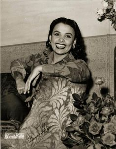 Lena Horne... singer, dancer, Hollywood trailblazer. I love her smile.
