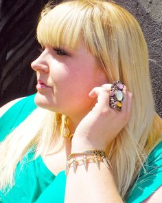 Living Outside the Fashion Box!: {trend} Sunny Day / Cold Shoulder