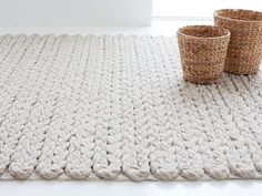 GAN Trenzas Rug Ivory 200x300 under bed?