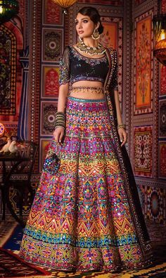 Indian Gowns Dresses, Indian Fashion Dresses, Dress Indian Style, Indian Designer Outfits, Indian Bridal Lehenga, Indian Bridal Outfits, Wedding Dresses For Girls, Bridal Dresses, Party Dresses