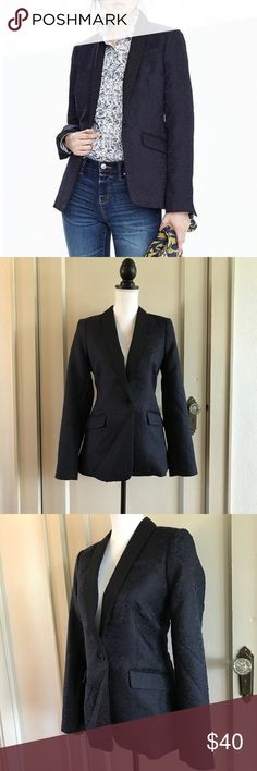 """BANANA REPUBLIC - Navy Blue Blazer Jacket 8 Medium BANANA REPUBLIC Navy Blue / Black Jacquard Fabric Blazer / Jacket  Size 8 / Medium Brand New With Tags! Retail: $178.00  Measurements (flat): Waist - 17"""" Bust - 18"""" Length - 27""""  Shell: 80% Polyester, 20% Cotton Lining: 95% Polyester, 5% Spandex  *Item was pinned to better fit the mannequin for the images, they do not represent the actual size of the item*  Bundles Welcome! NO PAYPAL! Please allow 2 days handling!  Thank you! 😊 Banana…"""