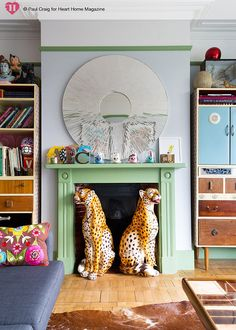 Heart Home Mag July 2014 - Colorful living room with cheetah statues guarding the fireplace. Heart Home Mag July 2014 - Estilo Kitsch, Chinoiserie, Interior Inspiration, Design Inspiration, Turbulence Deco, Colourful Living Room, Interior Decorating, Interior Design, Rental Decorating