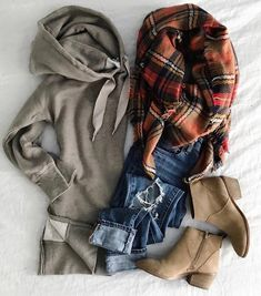 Love this cozy outfit for petite women! Perfect for a brisk day in fall or winter