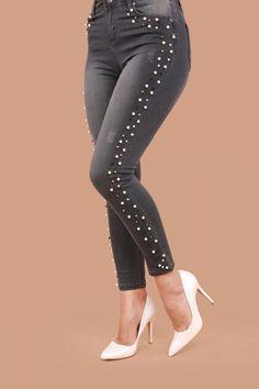 Women S Fashion Kings Road Diy Jeans, Jeans Refashion, Cute Jeans, Fashion Wear, Denim Fashion, Fashion Pants, Women's Fashion Dresses, Denim Ideas, Embellished Jeans