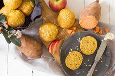 Süßkartoffelbrötchen mit Apfel & Haferflocken schmecken der ganzen Familie. Leckeres Frühstück & gesunder Snack für unterwegs, der im Nu zubereitet ist. Bento Box, Pretzel Bites, Baby Food Recipes, Bread, Cheese, Maximilian, 4 Kids, Babys, Breakfast Healthy