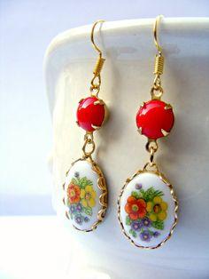 Red Vintage Earrings Floral Earrings Retro Red by Sweetystuff, £15.00
