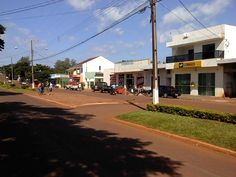 Iguatu, Paraná, Brasil - pop 2.300 (2014)