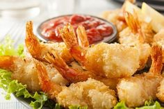 A healthy food, shrimp is low in calories and high in levels of calcium, iodine, and protein. Shrimp is also known to be considered good for the circulatory system. *The preparation of the shrimp does impact the caloric count. Get your recipes! Frozen Shrimp Recipes, Coconut Shrimp Recipes, Shrimp Recipes For Dinner, Fried Coconut Shrimp, Fried Shrimp, Fried Chicken, Ketogenic Diet Resource, Fresh Seafood, Seafood Restaurant