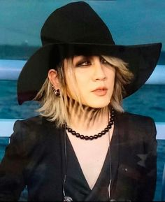 Yutaka kai uke the gazette he looks so good here so for Koi gazette