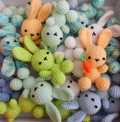 daxa rabalea: Conejos a granel + patrón not in English but very cute. Little Bunnies [Amigurumi Free Pattern] Last time we have been invited for birthdays of young 1 year old Tom. Cute amigurumi crochet bunny/ Pattern is in Spanish and my computer wouldn Crochet Kawaii, Crochet Bunny Pattern, Crochet Diy, Crochet Patterns Amigurumi, Crochet Crafts, Crochet Dolls, Yarn Crafts, Crochet Projects, Crochet Keyring Free Pattern