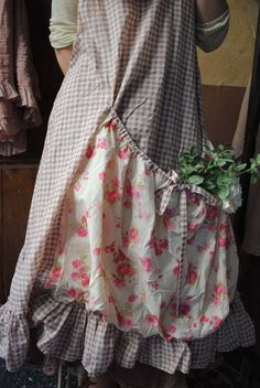 Although I don't have armfuls of flowers as in years past I love the idea of a utilitarian garment like this.