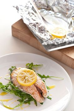 Omega-3s are great for healthy senior diets, but in a world of environmental toxins and overfishing, choosing the right seafood is tricky.