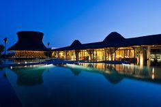 Vo Trong Nghia ajoute la barre en bambou de restaurant et de plage à la ressource de station thermale au Vietnam - Hải Châu District, Da Nang, Vietnam