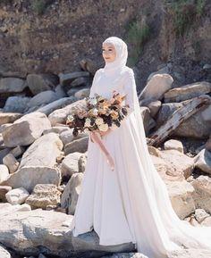 Muslim Wedding Gown, Malay Wedding Dress, Hijabi Wedding, Wedding Hijab Styles, Arabic Wedding Dresses, Muslimah Wedding Dress, Arab Wedding, Muslim Wedding Dresses, Wedding Dresses Photos
