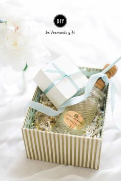 A #DIY bridesmaid gift. Photography: Ruth Eileen Photography - rutheileenphotogr...