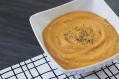 Quando o inverno chega nada mais gostoso do que saborear uma sopa cremosa e quentinha. Hoje trago uma receita super fácil e rápida de uma sopa deliciosa de cenoura para te aquecer no frio. Delícia, delícia!!