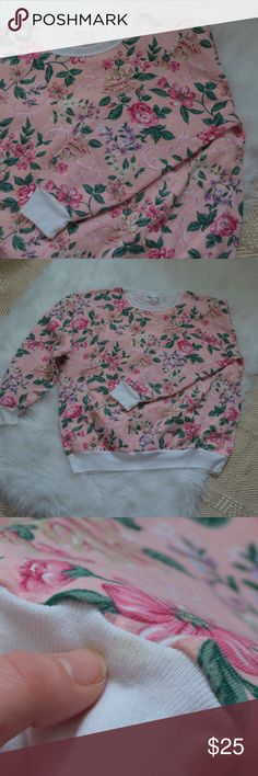 Vintage 90s Crew Neck Floral Sweatshirt Boho Large How chic! This vintage sweatshirt from the 90's is the perfect way to add vintage flair to your wardrobe! Roll up the sleeves, pair with high waisted shorts and Birkenstocks for a gorgeous festival look! *Please note: there are a couple of small yellow spots on the cuffs which are only noticeable upon close inspection. (see photo)* ~Women's Size Large Feel free to ask questions! Vintage Tops Sweatshirts & Hoodies