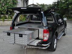The Aluminium Chequer Plate Tray Bins are manufactured using a powder coated steel frame. With Aluminium Chequer Plate drawers and an Aluminium Chequer Plate deck. Pickup Truck Accessories, 4x4 Accessories, Truck Bed Storage, Trailer Storage, Best Small Cars, Custom Truck Beds, Volkswagen Golf R, Vw Amarok, Nissan Navara
