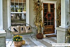 Decorating Landscaping Pictures Of Front Yards Front Door Hanging Decor Wreath Decorations Contemporary Fall Front Door Decor Home Interior Design Porch Decorating, Decorating Ideas, Decor Ideas, Craft Ideas, Diy Ideas, Room Ideas, Decoration Christmas, Holiday Decor, Primitive Homes
