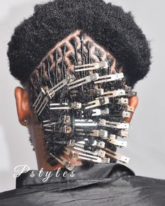 Currently working on these Diamond part starter locs by Pstyles! Clip placement is very important when doing starter locs. It will help… Short Dreadlocks Styles, Dreadlock Hairstyles For Men, Dreadlock Styles, Natural Afro Hairstyles, Twist Hairstyles, Hair Twist Styles, Curly Hair Styles, Natural Hair Styles, How To Start Dreadlocks