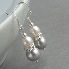 Silver Grey Earrings  Light Gray Bridesmaid - I can do this