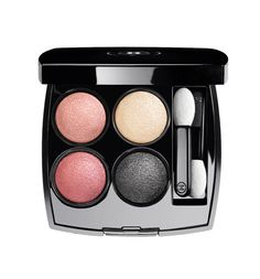 Les 4 Ombres « Tissé Paris » de Chanel http://www.vogue.fr/beaute/shopping/diaporama/beaut-parisienne/20276