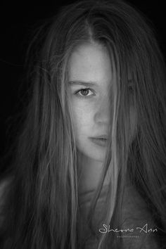 Focus by Sheona Hamilton-Grant. Sheona Ann Photography Black and white, greyscale, portrait photography made indoor in a studio using natural light. Vintage Nature Photography, Nature Photography Flowers, Black And White Face, White Hair, Studio Portrait Photography, Hair Photography, New Nature Wallpaper, Low Key Portraits, Nature Color Palette
