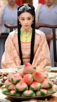 张馨予 花谢花飞花满天 Asian Style, Chinese Style, Beautiful Chinese Women, Chines Drama, Oriental, Asian History, Chinese Clothing, Ancient China, Kimono